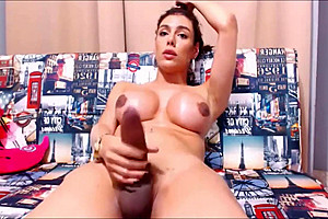 Stunning shemale plays with her to cumshot...