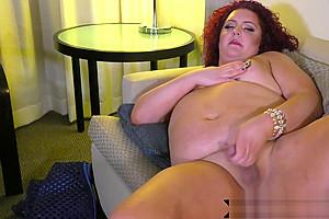 Thicc masturbates on her back...