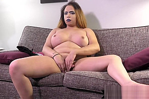 Tranny jerking off while filmed...