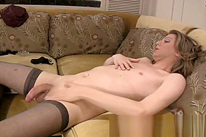 Tyra scott shemale strokers 7 inches of hard...