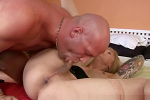 Old sheboy receives her backdoor rammed by a...