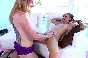 Blonde shemale trannys oral for...