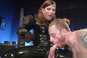 Blowjob from slave...